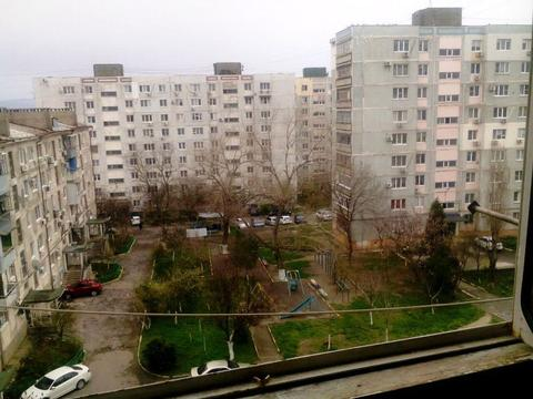 Трехкомнатная квартира в спальном районе Новороссийска - Фото 1