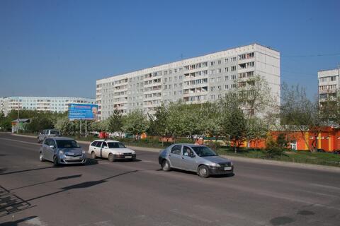 Продам 2 комн. квартиру Ленинского комсомола 4