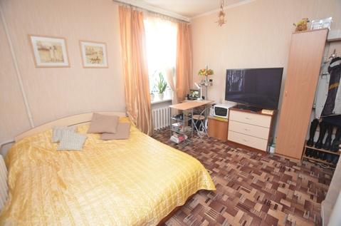 Продам комнату в 4-комнатной квартире - Фото 1