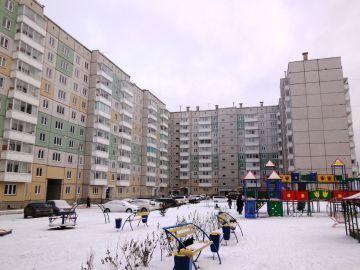 Уютная гостинка в новом доме и благоустроенном районе Красноярска - Фото 1