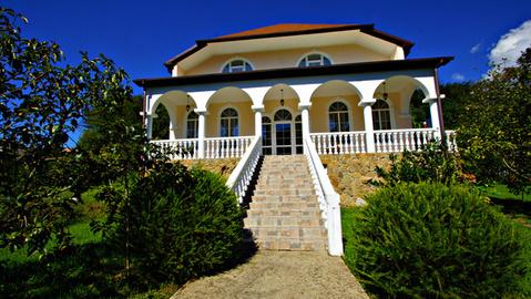 Роскошный особняк в Сочи с большим участком - Фото 1
