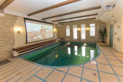 Дом с бассейном в Санкт-Петербурге. - Фото 1