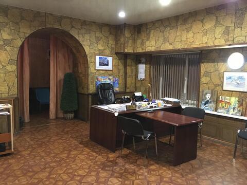Продаются нежилые помещения на 1 этаже в самом центре города. Два . - Фото 1