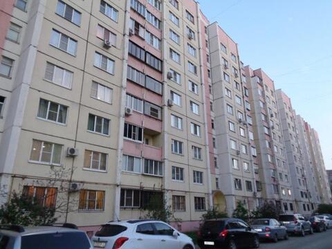 Трехкомнатная квартира: г.Липецк, Индустриальная улица, д.3 - Фото 1