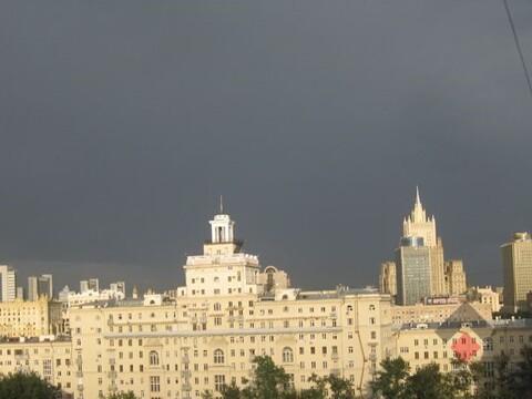 Продам 3-к квартиру, Москва г, Украинский бульвар 13 - Фото 1