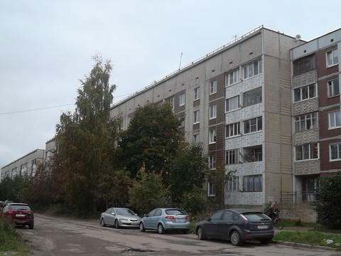 5-комнатная квартира в Тосно - Фото 1