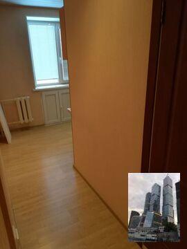 Продается двухкомнатная квартира (распашонка). - Фото 1