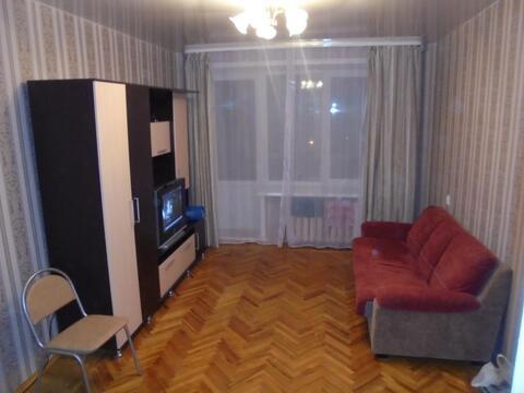 Сдается однокомнатная квартира, 9-й микрорайон, 7 - Фото 1
