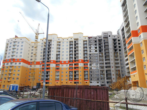 "Продается 1-комнатная квартира, ул. Антонова, ЖК ""Маяковский"" - Фото 1"