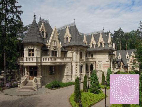 Коттедж в дворцовом стиле на Минском шоссе. - Фото 1