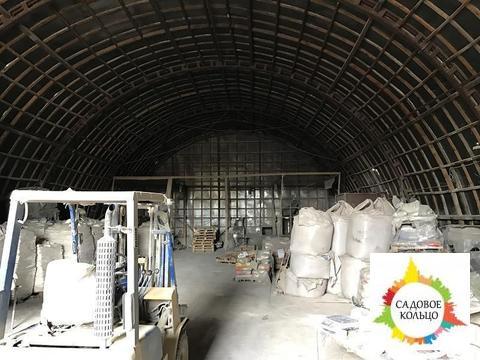Под склад, 5 ангаров, неотапл, выс. потолка: 8 м, эл-во 180 ква, ж/д - Фото 2