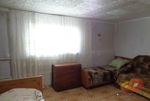 Двухкомнатная квартира , цоколь с окнами, ул.Доваторцев - Фото 1