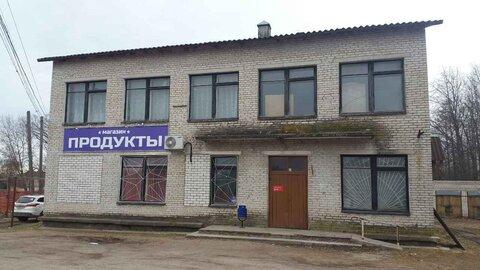Продажа двух этажного здания с магазином и гаражами - Фото 1