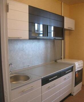 Сдам двухкомнатную квартиру, 3 этаж кирпичного дома, просторная . - Фото 1