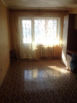 1-к квартира, 31 кв.м. 5/5, жилая 17 кв.м, окна пластиковые - Фото 1