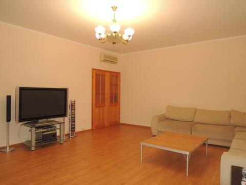 Отличная 4 (четырёх) комнатная квартира в самом Центре города Кемерово - Фото 1