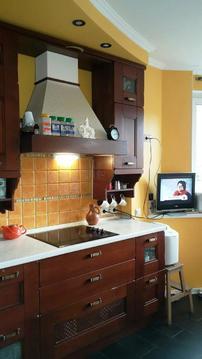 3-х комн. квартира 9-я Северная линия 25к2 евроремонт кухня 13 кв.м., Купить квартиру в Москве по недорогой цене, ID объекта - 316754612 - Фото 1