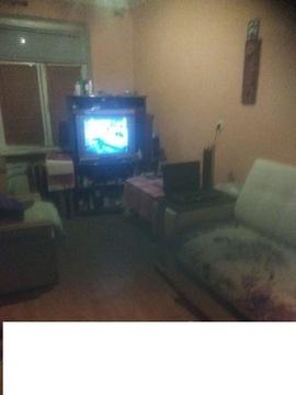 Продаётся 1 комната на 1-м этаже 2-этажного дома. Каркас- дерево. - Фото 1