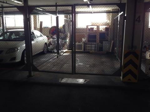 Отдельно огороженное машиноместо в отапливаемом паркинге - Фото 2