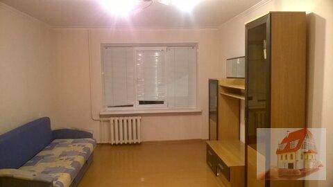 Сдам 2 комнатную квартиру с ремонтом - Фото 1