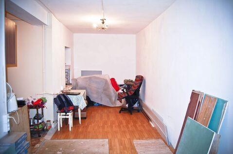 3 комнатная квартира, на 1 этаже 4 этажного дома. В кирпичном доме. . - Фото 2