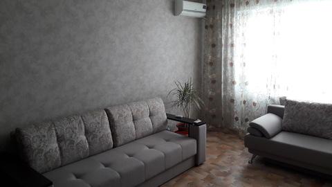 Продам 2 ком. квартиру с ремонтом и мебелью в 8 А м-не - Фото 3