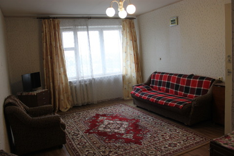 Продам 1-комнатную квартиру на ул. Толстикова - Фото 1