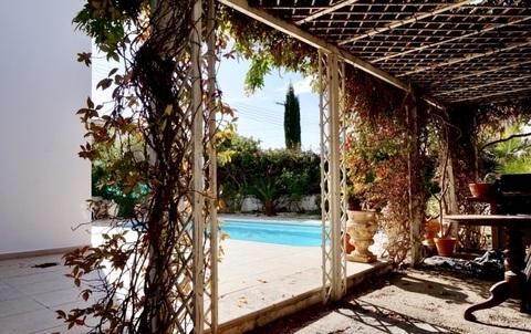 Хорошая 3-спальная вилла с видом на море в пригороде Пафоса - Фото 5