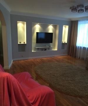 Сдается 4-х комнатная квартира на ул.Зарубина,140м2,10/11эт. - Фото 1