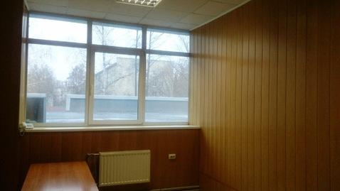Офисное помещение на втором этаже бизнес-центра. 15 кв.м - Фото 1