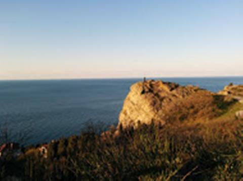 Участок с шикарной панорамой, среди сосен, ели и можжевела - Фото 1