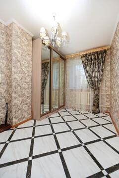 Продается 2-комнатная квартира на ул. Комарова - Фото 1