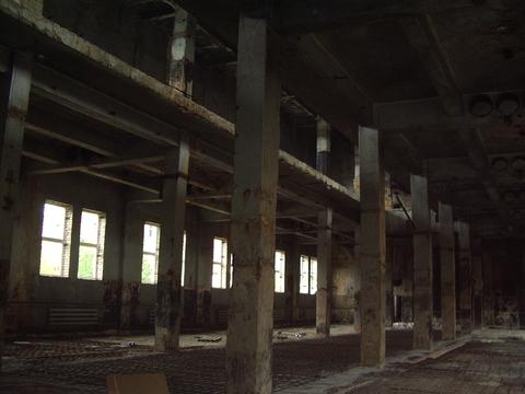 3-этажное Производственное помещение 3700 м2 - Фото 1