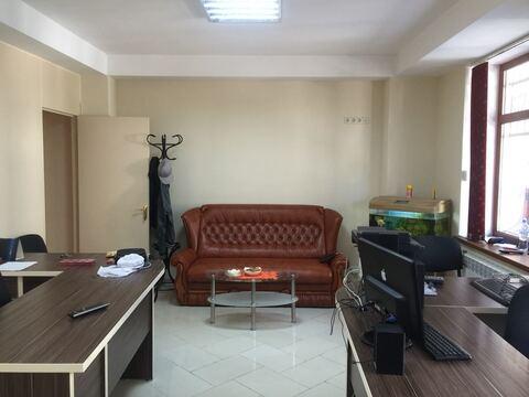 Продам 2комн. квартиру в центре Ялты с участком земли - Фото 1
