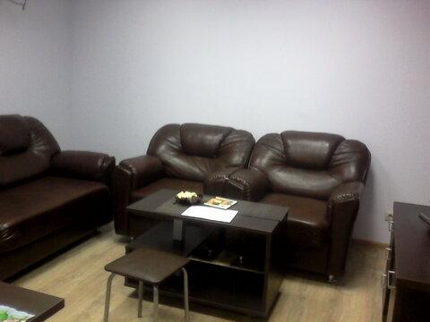 Офисное помещение с мебелью. Первый этаж, отдельный вход. Евро-отделка - Фото 1