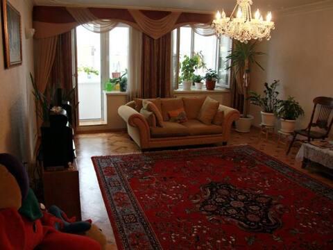 Продажа четырехкомнатной квартиры на переулке Суворова, 38 в Калуге, Купить квартиру в Калуге по недорогой цене, ID объекта - 319812461 - Фото 1