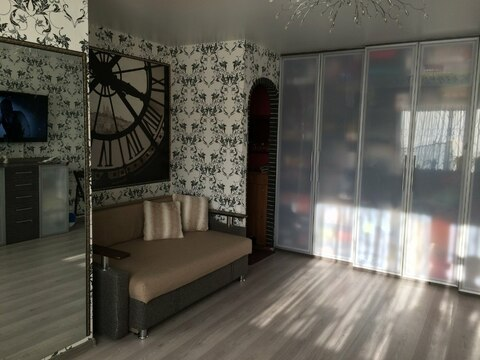 Сдам 1-комнатную квартиру в центре на длительный срок - Фото 1