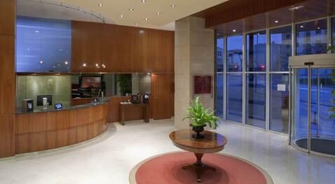Продажа отеля в пригороде Барселоны - Фото 1