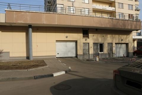 Машиноместо в подземном паркинге м.Тушинская, ул.Большая Набережная д9 - Фото 1