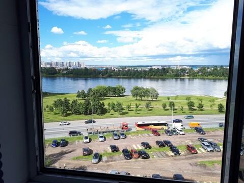 Сдается комната с видом на Неву на Рыбацком пр, 29 - Фото 1