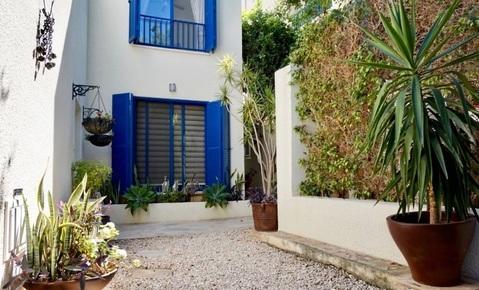 Отдельная трехкомнатная квартира с большим садом в районе Пафоса - Фото 1