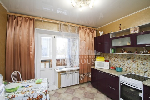 Продаётся 5ти комнатная квартира - Фото 1