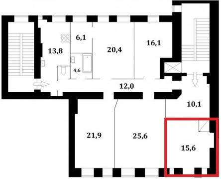 Комната с арочным окном и потолками 3 метра