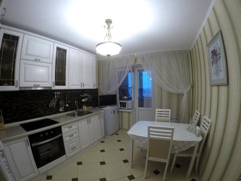 2 700 000 Руб., Продается квартира с ремонтом, мебелью и техникой по ул. Калинина 4, Купить квартиру в Пензе по недорогой цене, ID объекта - 323218035 - Фото 1