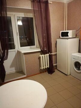 Сдам 1 комнатную у дк Баранова с мебелью и всей бытовой - Фото 1