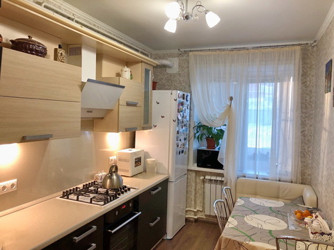 Двухкомнатная комфортная и уютная квартира в кирпичном доме. - Фото 1
