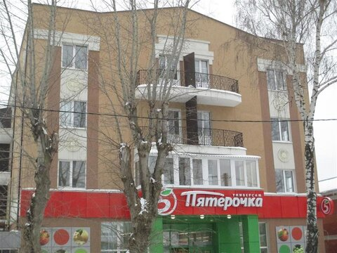 Продается 1-к квартира (улучшенная) по адресу г. Задонск, ул. . - Фото 1