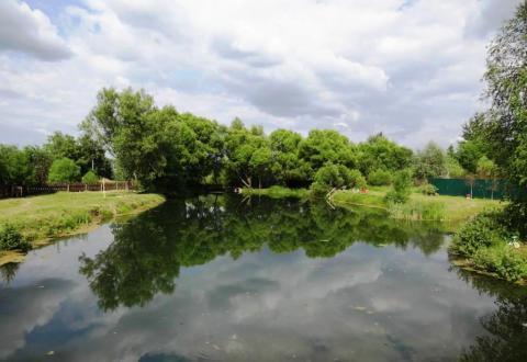Красивый уч. 5.7 га. с озером, в район Звенигорода и Голицыно - Фото 1