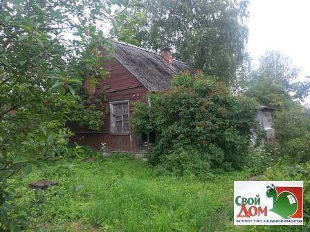 9 соток в Гатчине на ул. Школьной со старым домом - Фото 1