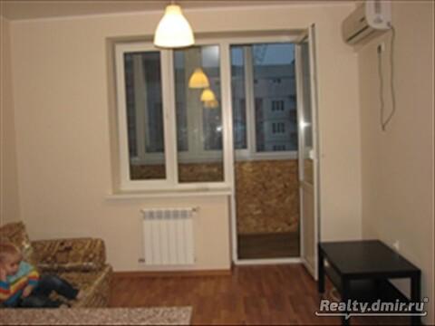 Хозяйка Сдам квартиру с мебелью и техникой - Фото 1